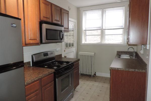 400-412 Lee kitchen